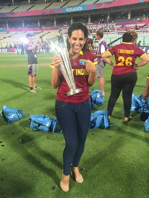 Dushyanth's girl poses with T-20 trophy (3)
